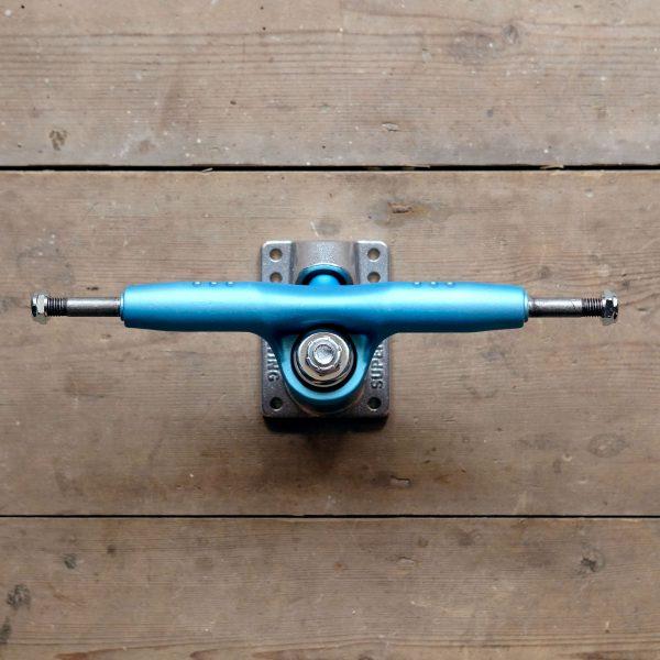 Gullwing Pro III White Blue Top